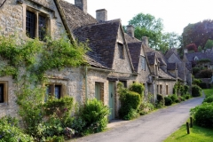 english-village_1147-405