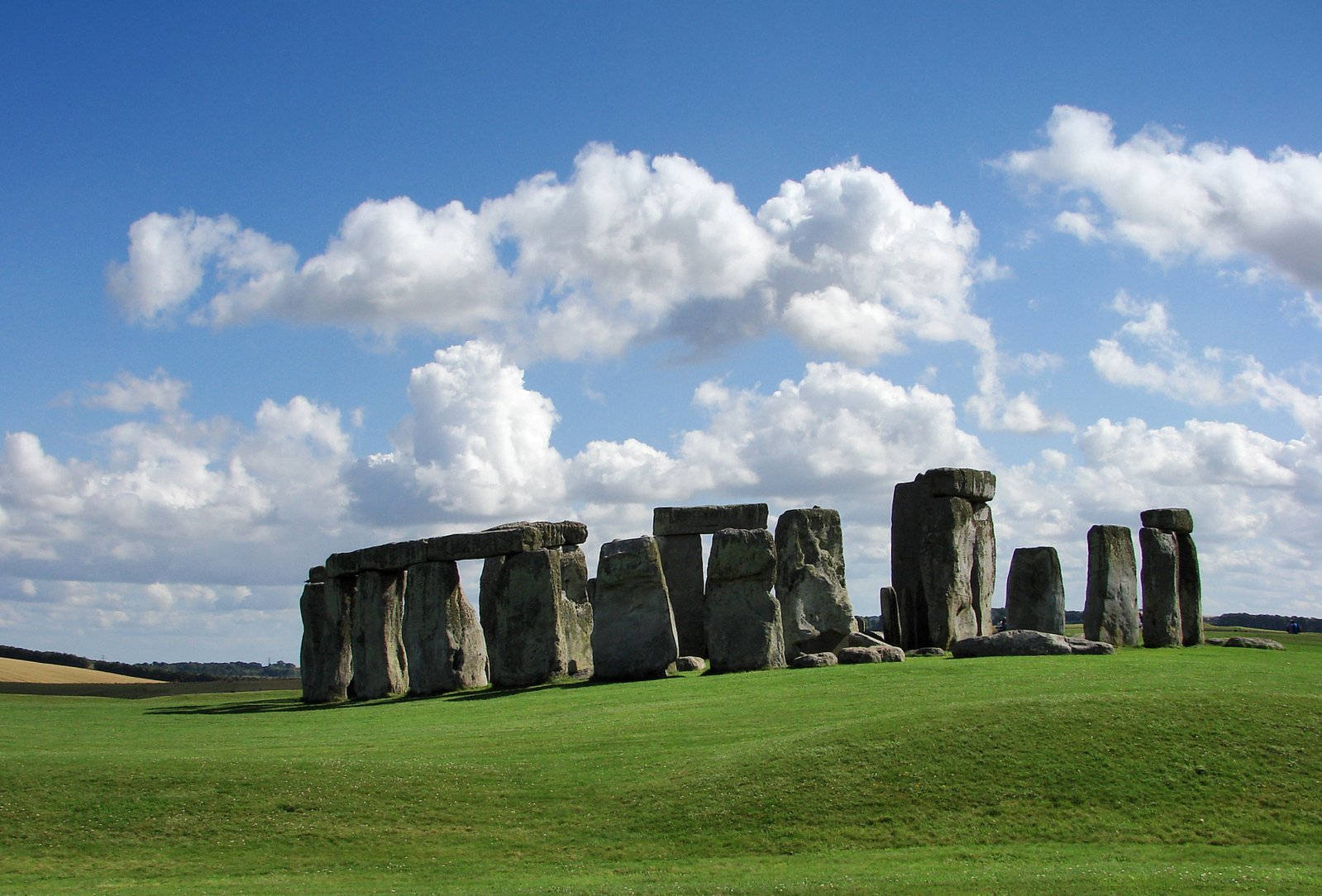 stonehenge-1210202