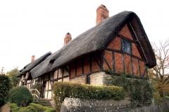 anne-hathaway-s-cottage-1214063
